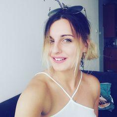"""Polubienia: 20, komentarze: 1 – Klaudiaa (@blond_asek) na Instagramie: """"Kochane najpiękniejszą ozdobą kobiety jest jej uśmiech 😆. ☆ ☆ ☆ ☆ ☆ ☆  #blonde #blondehair…"""""""
