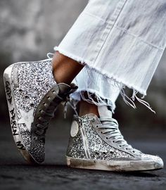 On ne lasse pas du petit côté disco/roots des baskets à paillettes (photo Mary Seng)
