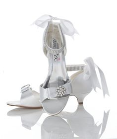 Kara - low kitten heel for extreme comfort Bridal Shoes, Wedding Shoes, Bridal Gowns, Best Gowns, Wedding Dressses, Bridal Accessories, Kara, Kitten Heels, Daughter