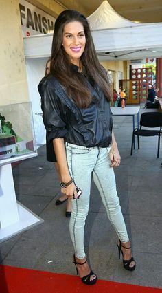 Aneta-Vignerová Capri Pants, Fashion, Moda, Capri Trousers, Fashion Styles, Fashion Illustrations