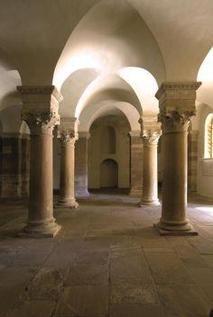 Alemania 45 Westwerk carolingio y civitas de Corvey El Westwerk es la única estructura de la era carolingia que continúa en pie, en tanto que el complejo de la abadía imperial original se conserva en forma de vestigios arqueológicos que hasta ahora sólo se han excavado parcialmente.