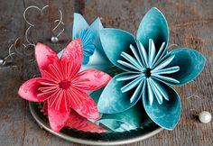 Du kan selv vælge, om du vil have 5 eller 6 kronblade på de flotte blomster, der foldes efter japansk tradition