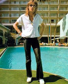 Read ✨❤Sexy❤✨ from the story ✨Fotos De Roger Taylor✨ by RINGOsWIFE (Ringa Taylor) with reads. Queen Photos, Queen Pictures, John Deacon, I Am A Queen, Save The Queen, Queen Queen, Roger Taylor Queen, Queen Aesthetic, Ben Hardy