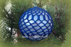 palline di natale all'uncinetto schemi - manifantasia Christmas Balls, Christmas Ornaments, Holiday Decor, Pattern, Crochet Christmas, Anna, Noel, Handarbeit, Christmas Baubles
