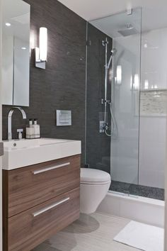 shower room w/ good compact layout
