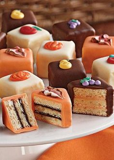 Autumn tea party … More (mini chocolate cake petit fours) Tea Party Desserts, Mini Desserts, Fall Desserts, Party Treats, Holiday Treats, Party Cakes, Cupcakes, Cupcake Cakes, Profiteroles
