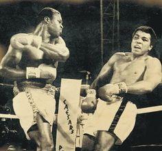 Larry Holmes vs Muhammad Ali   LARRY HOLMES