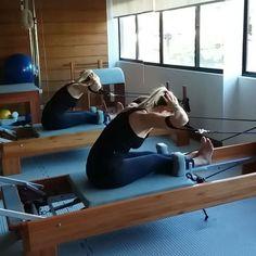 Adorei esse fortalecimento de paravertebrais proposto pela @balanced_body Eficaz e fácil de realizar. #pilates #pilateslovers #Pilatesinstructor #pilateslife