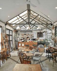 Coffee Shop Branding, Coffee Shop Design, Cafe Design, Loft Cafe, Cofee Shop, Country Shop, Country Style, Coffee Corner, Dining Table