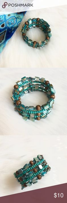 Handmade Beaded Bracelet Beautiful turquoise beaded bracelet. Pairs with many outfits! Jewelry Bracelets