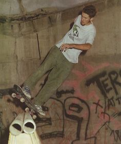 Oh the young skateboarding Jason Lee...<3