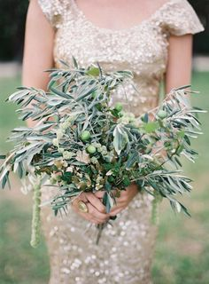 Looking for wedding flower ideas? These herb wedding bouquets are full of pretty rosemary, lavender, sage and other good-smelling herbs for a unique fresh from the garden look. Herb Wedding, Rose Wedding, Floral Wedding, Glitter Wedding, Green Wedding, Wedding Things, Herb Bouquet, Flower Bouquet Wedding, Bridal Bouquets