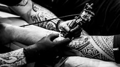 Bad Tattoos, Forearm Tattoos, Finger Tattoos, Tattoos For Guys, Tattoos For Women, Cool Tattoos, Respect Tattoo, French Tattoo, Finger Tattoo For Women