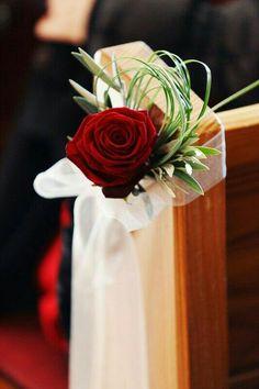 Christmas Wedding Pew Decor