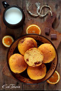 Pumpkin and chocolate buns
