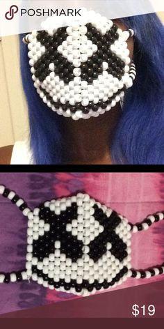 Marshmello Surgical Kandi Mask A Marshmello Kandi mask. If you want it the other way around … - kandi bracelets Kandi Mask Patterns, Pony Bead Patterns, Peyote Stitch Patterns, Beading Patterns, Rave Bracelets, Rave Mask, Scarf Knots, Beaded Crafts, Diy Mask