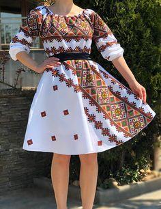 Rochie stilizata cu motive traditionale Laura | Rochie Traditionala #ietraditionala #national #rochie #romania #traditional