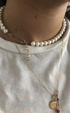 Bezel Set Diamond Necklace/ gold 3 bezel set diamond horizontal bar necklace with white diamonds/ Diamond Necklace Graduation Gift - Fine Jewelry Ideas Cute Jewelry, Pearl Jewelry, Beaded Jewelry, Jewelry Accessories, Fashion Accessories, Fashion Jewelry, Jewelry Design, Jewellery, Fashion Fashion