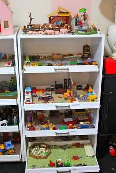 Playsets in drawers...what's not to love?