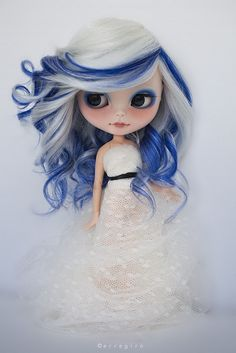 Yes, I know this is a doll, but I love her hair!  Vanora by erregiro, via Flickr