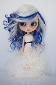 Con mechas azules !!!                                                       …
