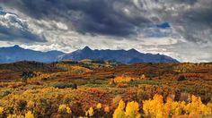 Dallas Divide near Ridgway, Colorado (© Stephanie Coffman/TandemStock)
