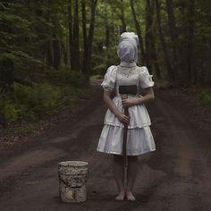 白昼の悪夢。不気味過ぎるオシャレ怖い写真シリーズ