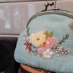 "46 Likes, 2 Comments - 프랑스자수.한땀 한땀 설렘과 평온함. (@embroidery_flower) on Instagram: ""프랑스자수,울사 자수,프레임 지갑완성#프랑스자수 #embroidery#needlework #handembroidery #stiching#창작도안#창작자수"""