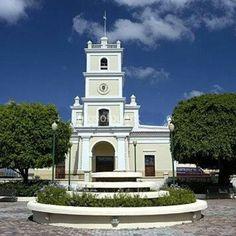 Iglesia plaza de Cayey
