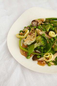 Cashew-Ginger Stir-Fried Vegetables with Egg Noodles Recipe - JoyOfKosher.com