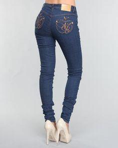 i want apple bottom jeans sooo bad love them! New Outfits, Cute Outfits, Apple Bottom Jeans, Clothes 2019, Fashion Corner, Plain Shirts, Best Jeans, Jeans Pants, Shorts