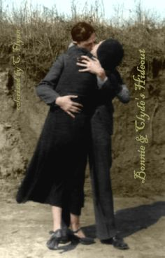 Bonnie And Clyde. Bonnie Parker was my husband's grannies cousin (minne may parker also pictured as a tricker shooter on my board) Bonnie Clyde, Bonnie Parker, Old Photos, Vintage Photos, Vintage Photographs, Interesting History, Old West, Serial Killers, Back In The Day