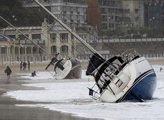 Un fuerte temporal de lluvia y viento azota San Sebastián y otros puntos de Guipúzcoa | Actualidad | EL PAÍS