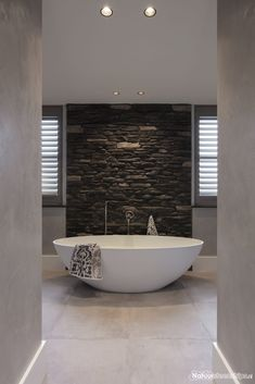 60 Bathrooms Black and White Decorated - Beautiful Pictures - Home Fashion Trend Bathroom Goals, Bathroom Spa, Bathroom Layout, Bathroom Interior, Modern Bathroom, Master Bathroom, Bad Inspiration, Bathroom Inspiration, Japanese Interior