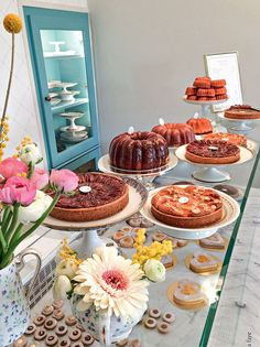 You are in the right place about blueberry Pastry Recipes Here we offer you th. Patisserie Paris, Patisserie Design, Bakery Design, Blueberry Pastry Recipe, Cherry Pastry Recipes, Bakery Decor, Bakery Interior, Bakery Store, Bakery Cafe