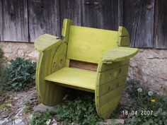 How to Build a Cable Spool Rocking Chair Yard Furniture, Repurposed Furniture, Pallet Furniture, Cool Furniture, Outdoor Furniture Sets, Outdoor Decor, Outdoor Chairs, Wooden Spool Projects, Spool Crafts