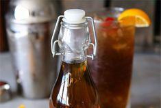 Vous aimez vous faire des petits drinks avec de l'Amaretto? Voici une recette super facile pour en faire à la maison :)