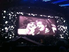 Ed joined Harry in Little Things!!!