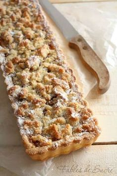 Crostata pere mandorle e amaretti Italian Desserts, Vegan Desserts, Italian Recipes, Sweet Recipes, Cake Recipes, Dessert Recipes, My Favorite Food, Favorite Recipes, Torte Cake
