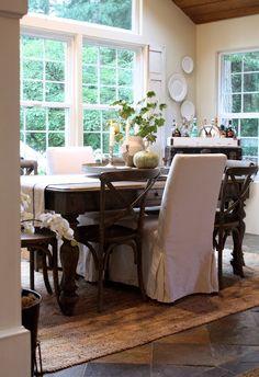 Sillas crossback en madera en 4 colores: blanco, chocolate, natural y miel. Estamos en PREVENTA! Las sillas llegan en junio 2015. Separa las tuyas, antes de que se agoten!