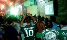 bbe64329bd648 Torcida do Palmeiras festeja título da Copa do Brasil 2015 em Vitória