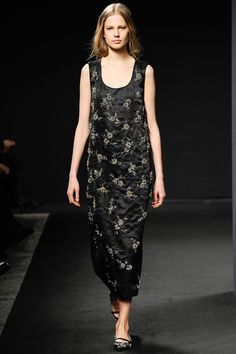 No. 21 | Fall 2014 Ready-to-Wear Collection | Style.com