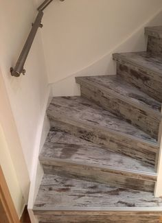 vernis bio ecofa sur escalier bois r alisation art de l 39 espace. Black Bedroom Furniture Sets. Home Design Ideas