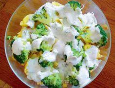Sałatka z tortellini i brokułami