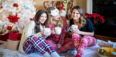 5 things to be thankful for this Christmas season Christmas Party Pictures, Holiday Pictures, Christmas Photo Cards, Preppy Christmas, Christmas Pajama Party, Christmas Pajamas, Cozy Christmas, Christmas Time, Fotos Tumblr