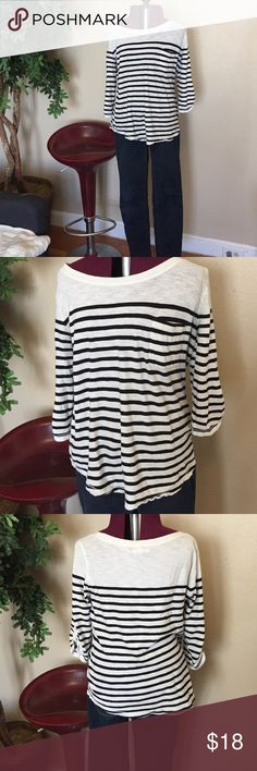 Banana republic navy and white striped long tee Banana republic navy and white striped long tee Banana Republic Tops Tees - Long Sleeve