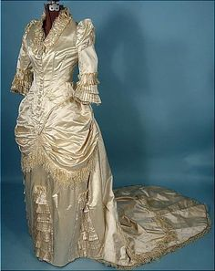 Enchanted Serenity of Period Films: Weddings from the Past: AntiqueDress.com