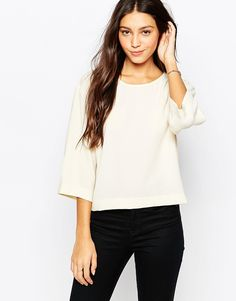 Top by Vero Moda Lightweight crepe Semi-sheer Round neckline Batwing sleeves Regular fit - true to size Machine wash 100% Viscose Our model wears a UK S/EU S/US XS