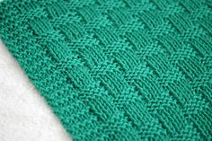 knitting baby blanket with design Knitted Afghans, Knitted Baby Blankets, Baby Afghans, Love Knitting Patterns, Baby Patterns, Knitting Ideas, Intarsia Knitting, Baby Knitting, Knitting Abbreviations
