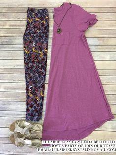 LuLaRoe Outfit Carly and Leggings. LuLaRoe Style. Flat Lay Photo. Spring Style.